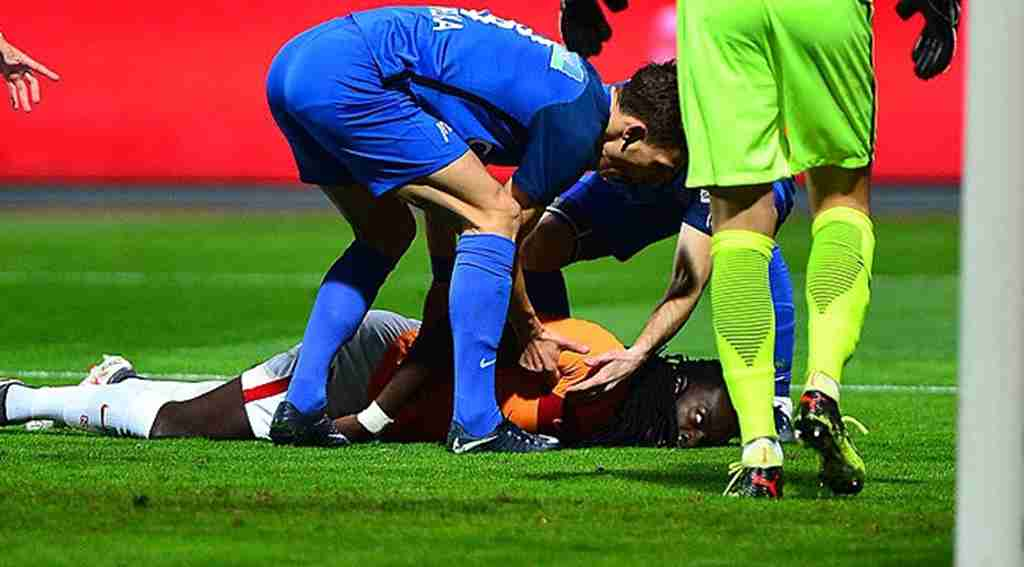 Galatasaray'ın yıldız futbolcusu maç esnasında korkuttu