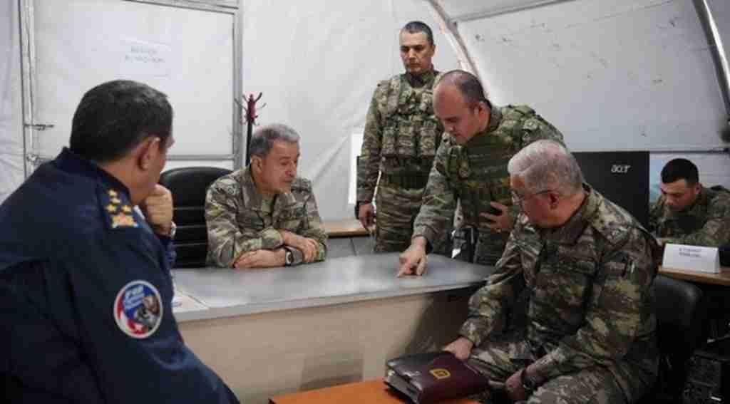 Harekât merkezindeki yazı, Türk Ordusu'nun kararlılığını gösteriyor