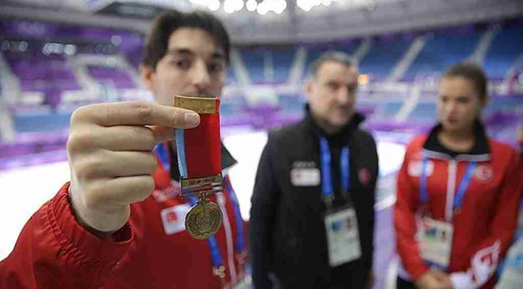 Kış Olimpiyatlarına Kore Gazisi dedesinin madalyasını götürdü