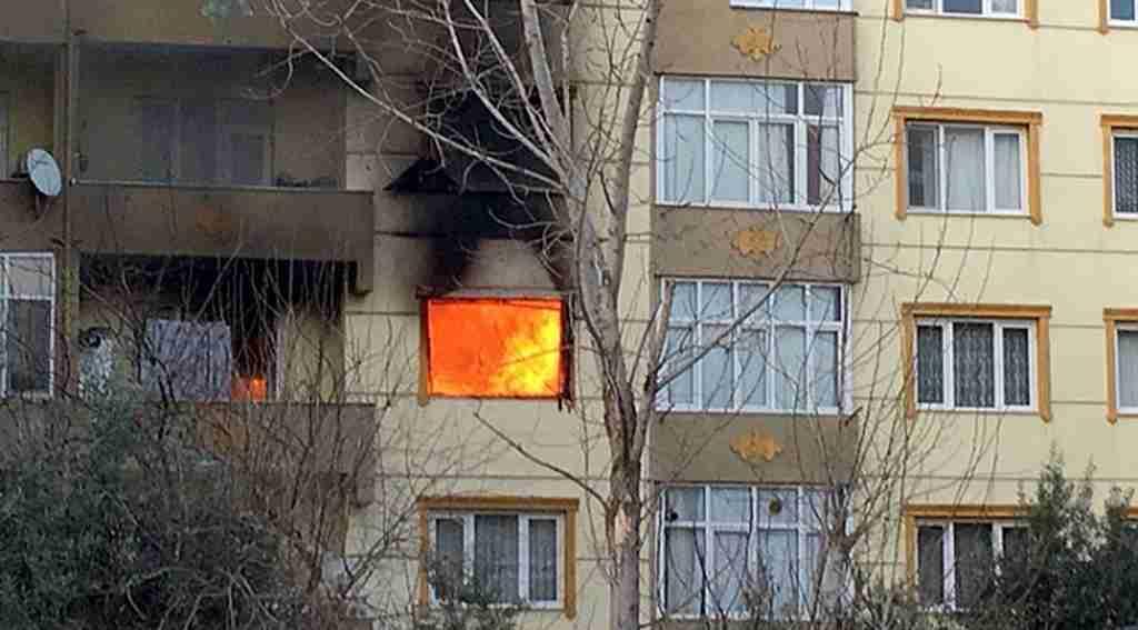 Ev sahibine kızan kiracı evi yaktı - Bursa Haberleri