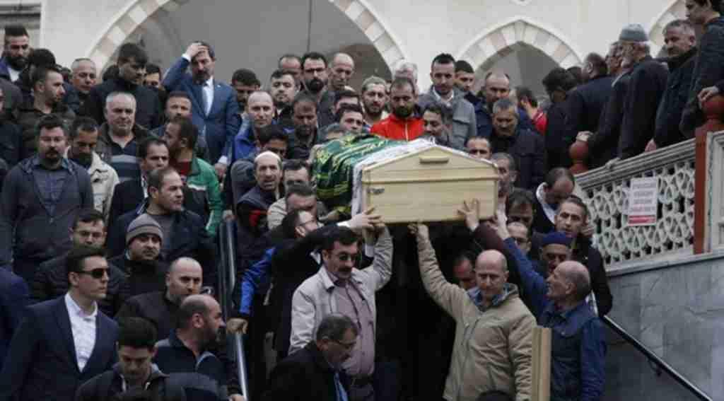 MHP eski ilçe başkanının kazada ölen eşi toprağa verildi - Bursa Haberleri