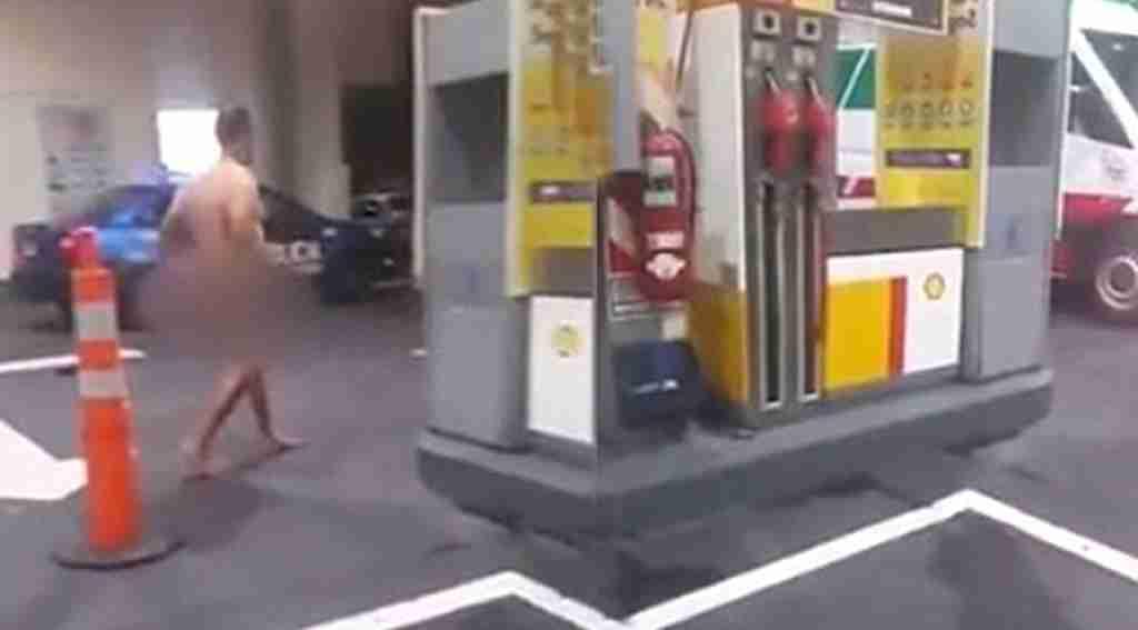Anüsüne oyuncak sıkışan adam, benzin istasyonuna gidip yardım istedi