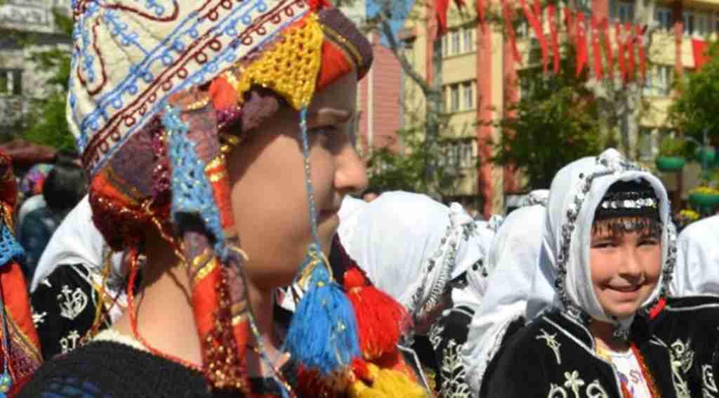 Bursa ve Tüm Türkiye'de 23 Nisan Ulusal Egemenlik ve Çocuk Bayramı Kutlanıyor