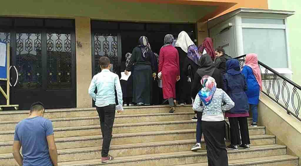 MEB'de sınav heyecanı! Açık lise öğrencileri telafi sınavına girdi