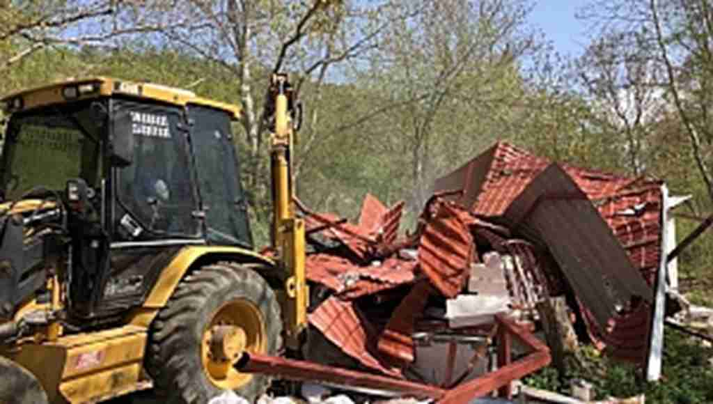 Orman arazisindeki kaçak ev yıkıldı - Bursa Haberleri