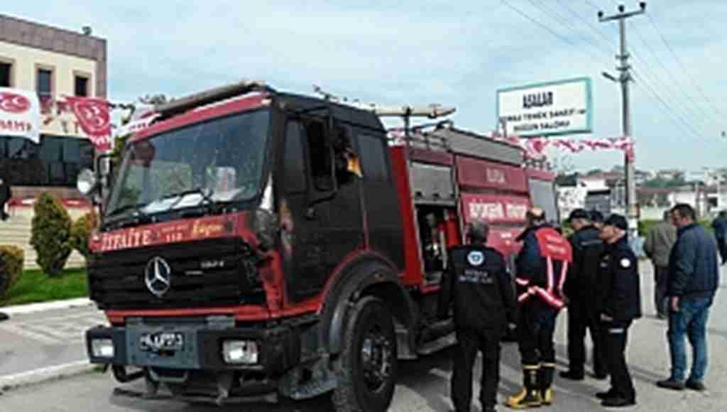 Yangını söndürmek isteyen itfaiye aracı alev aldı - Bursa Haberleri
