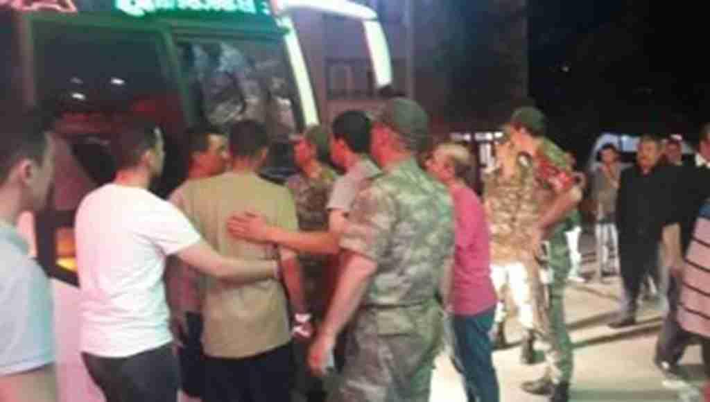 Amasya 15'inci Piyade Tugayında 81 asker sinek ilacından etkilenerekDevlet Hastanesine kaldırıldı