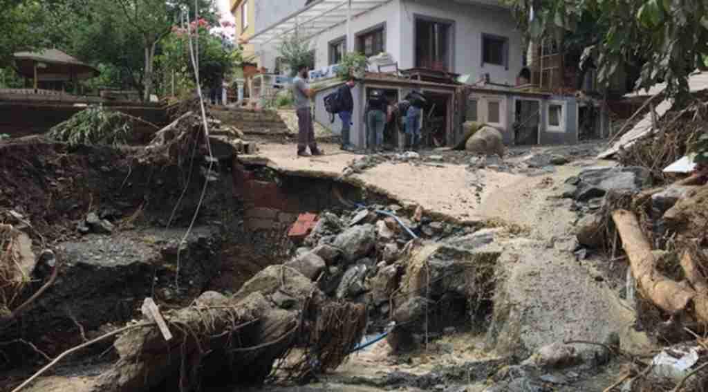 Bir köy sel sularının altında kaldı, dehşet gün ağırmasıyla ortaya çıktı - Bursa Haberleri