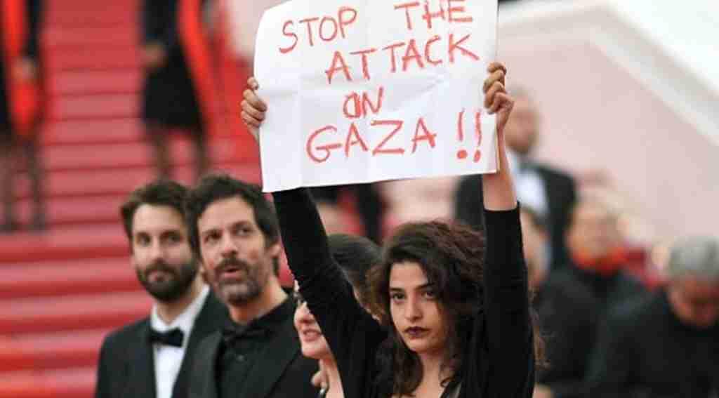 Cannes'da Filistin pankartı