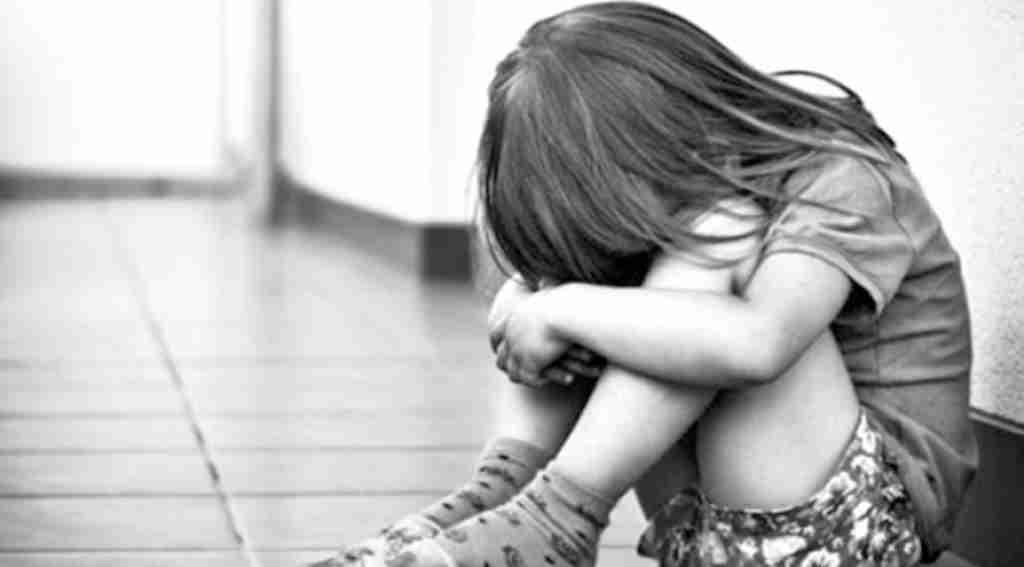 Düştü diye hastaneye getirilen 2,5 yaşındaki çocuğa cinsel istismar iddiası!