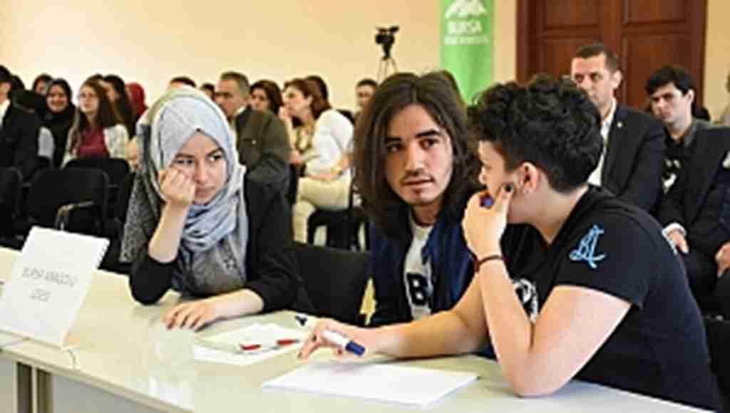 Öğrenciler genel kültür bilgilerini yarıştırdı - Bursa Haberleri