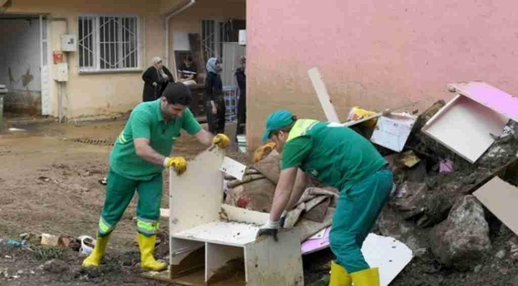 Osmangazi Belediyesi Ekipleri Sel Bölgesinde - Bursa Haberleri