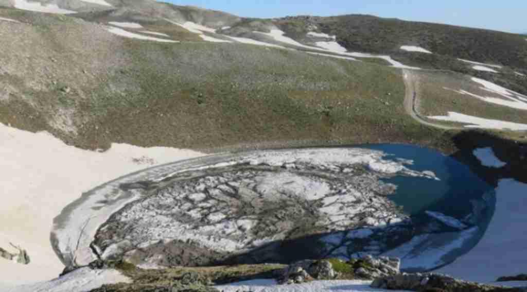 Uludağ'da düşen çığ gölü buza çevirdi - Bursa Haberleri