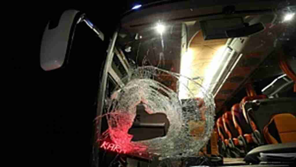 Bursa'da yolcu otobüsüne kayalı saldırı - Bursa Haberleri