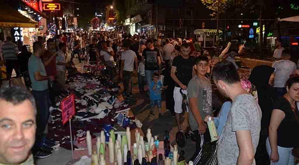 Bursa'da bayram alışverişi izdihama neden oldu! - Bursa Haber