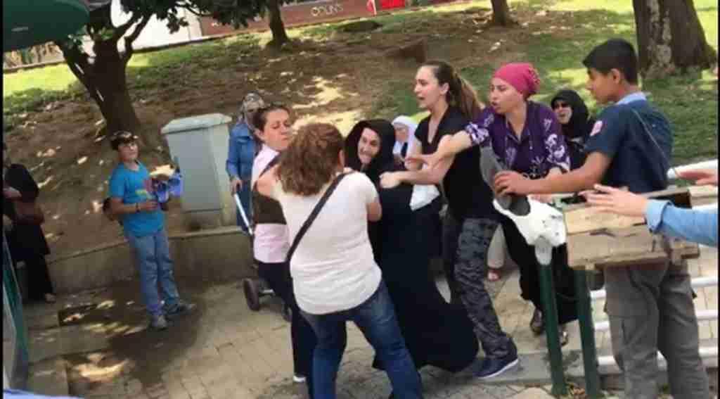CHP standında şehit annesine saldırı - Bursa Haberleri