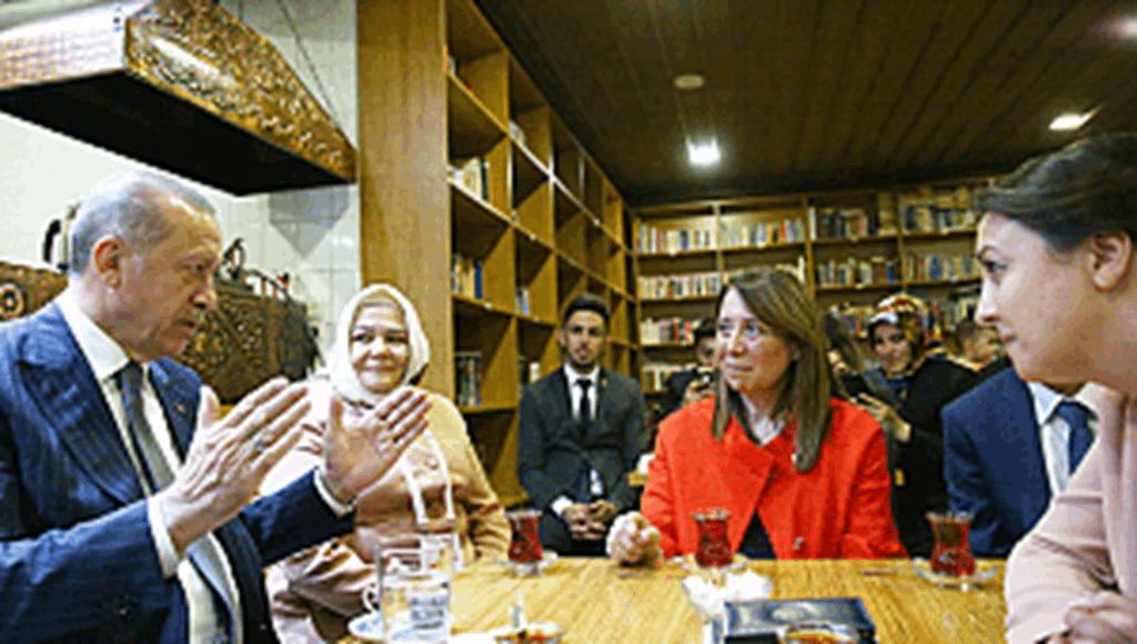 Erdoğan, Eskişehir'de kıraathane ziyaret etti