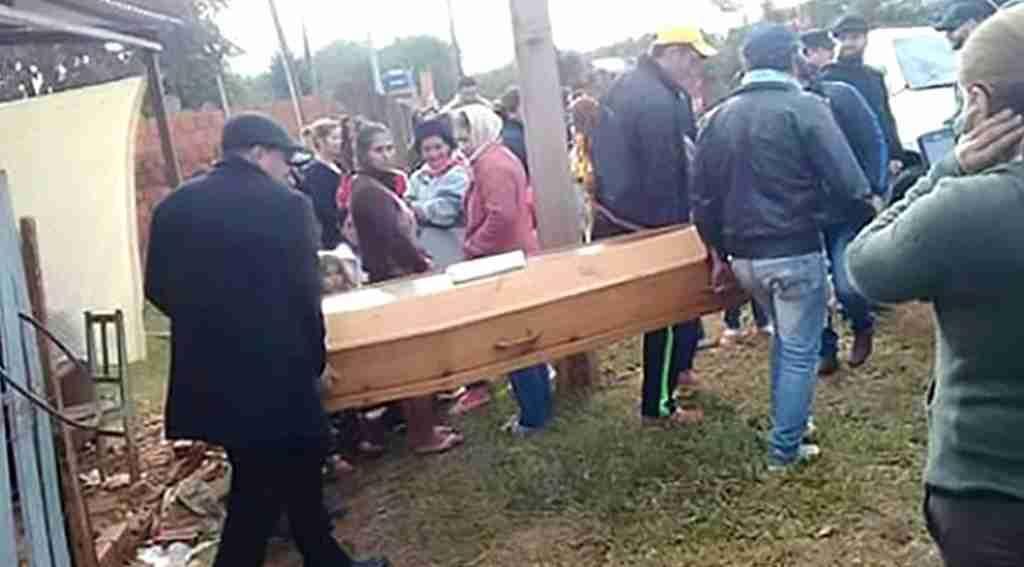 Kendi cenaze töreninde ortaya çıktı, ailesi büyük şok yaşadı