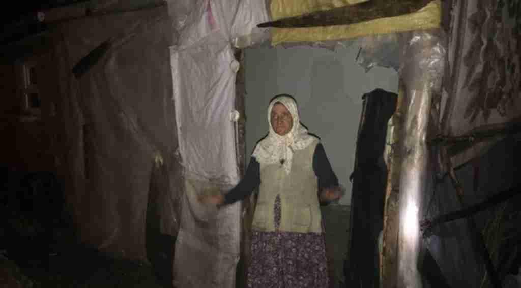 Yalnız yaşayan kadının evine yıldırım düştü - Bursa Haberleri