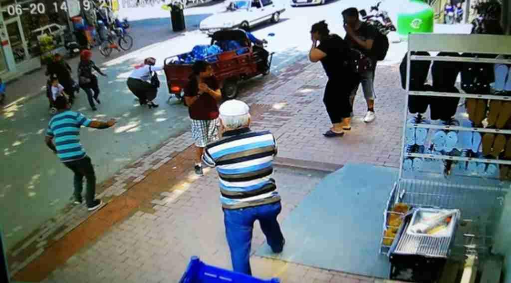 Yolun karşısına geçmek isterken motosikletin altında kaldı - bursa Haberleri