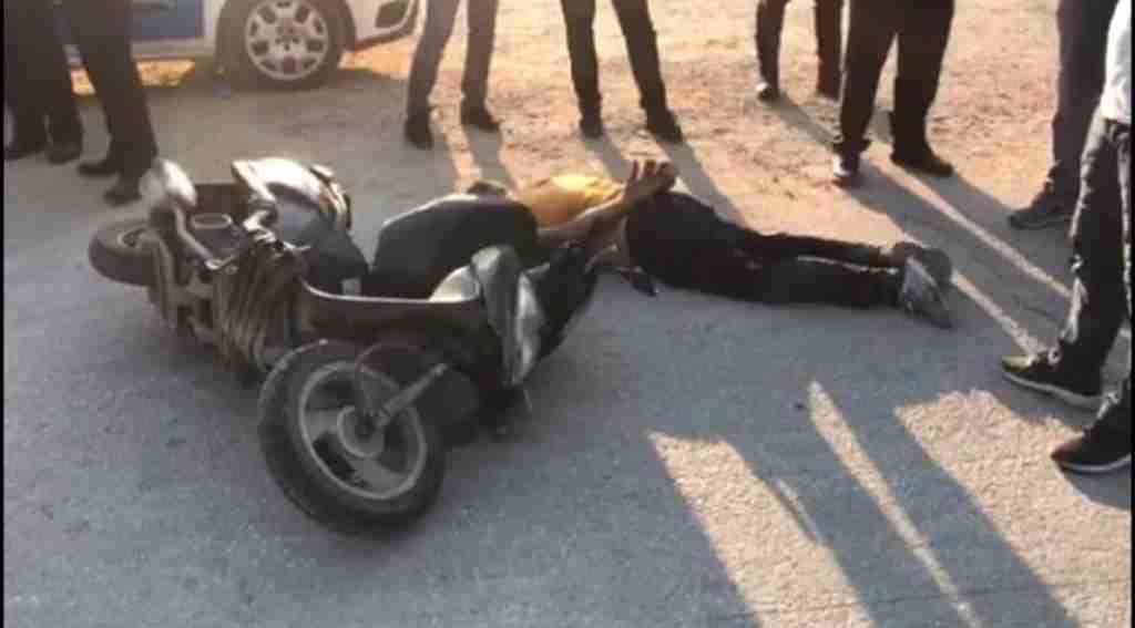 Bursa'da Polis ekiplerinden kaçan motosikletli gencin yakınları ile polis birbirine girdi: 3'ü Polis 4 Yaralı
