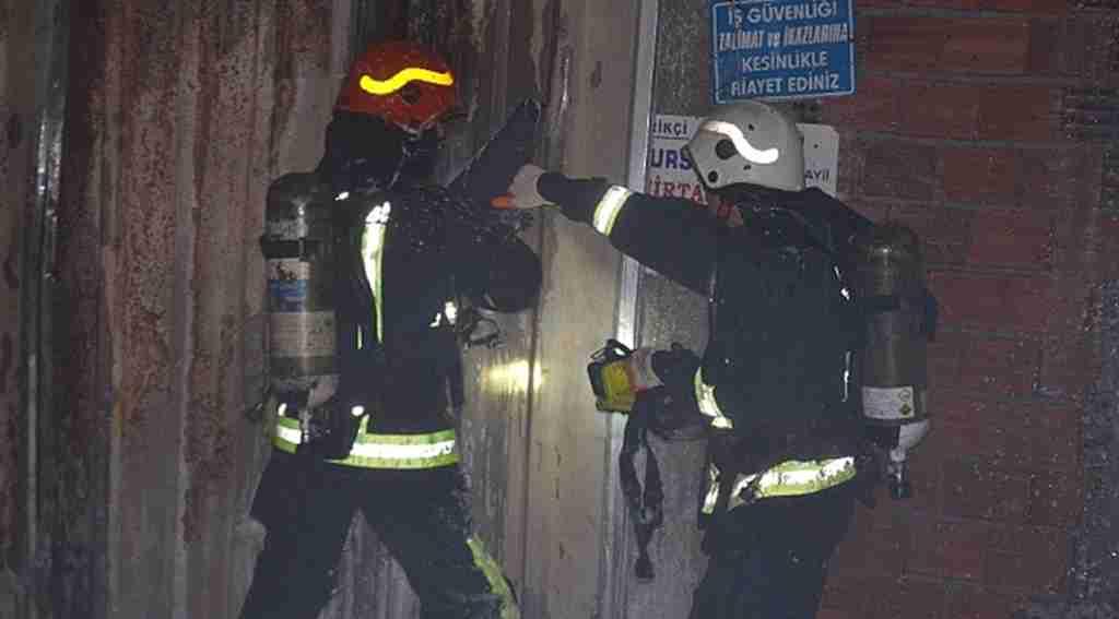 Bursa'da torpil dehşeti kumaş deposunu küle çevirdi - Bursa Haber