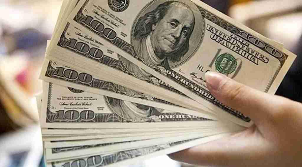 Dolar ve Euro'nun ateşi dinmiyor! Tarihi seviyeyi görerek rekor kırdı!
