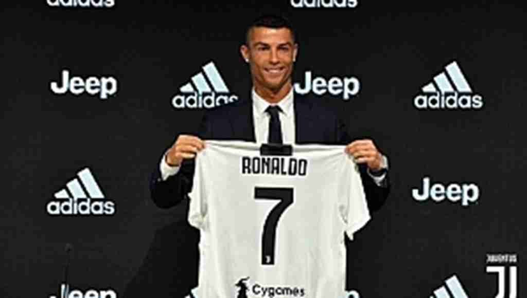 Ronaldo resmen Juventus'da