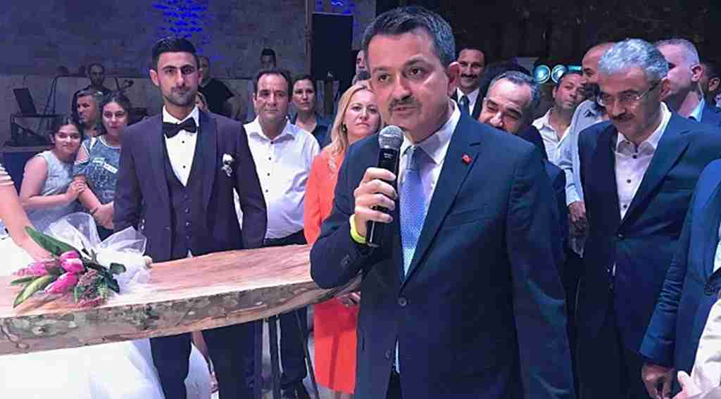 Tarım ve Orman Bakanı Bekir Pakdemirli'den meyve ve sebzelerdeki fiyat farkıyla ilgi açıklama