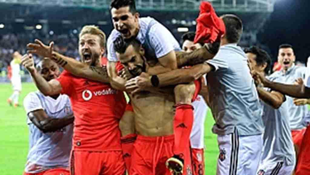 Beşiktaş, UEFA Avrupa Liginde LASK Linz'i Son Dakika Golüyle Eledi