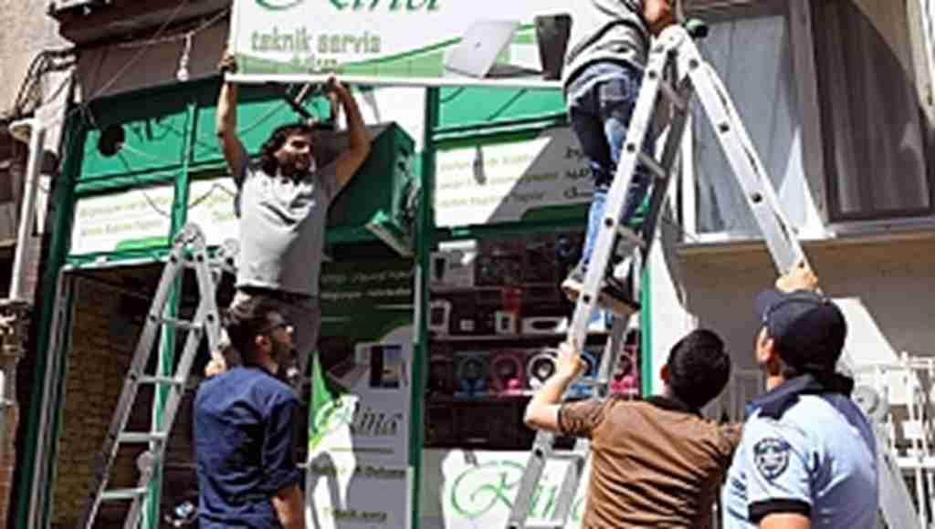 Bursa'da yabancı dildeki tabelalar kaldırıldı - Bursa Haberleri