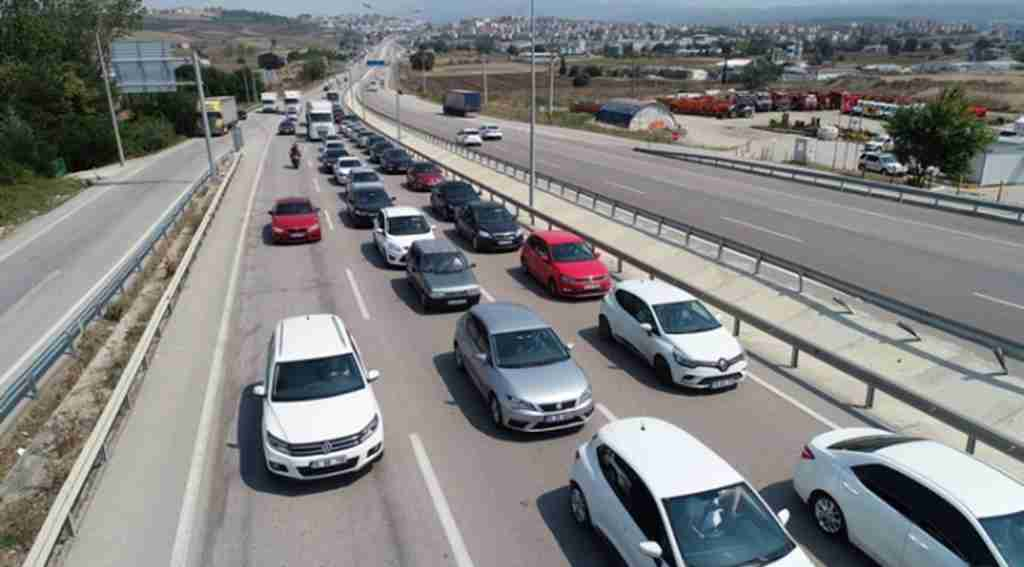 Bursa- İzmir karayolunda trafik yoğunluğu - Bursa Haberleri