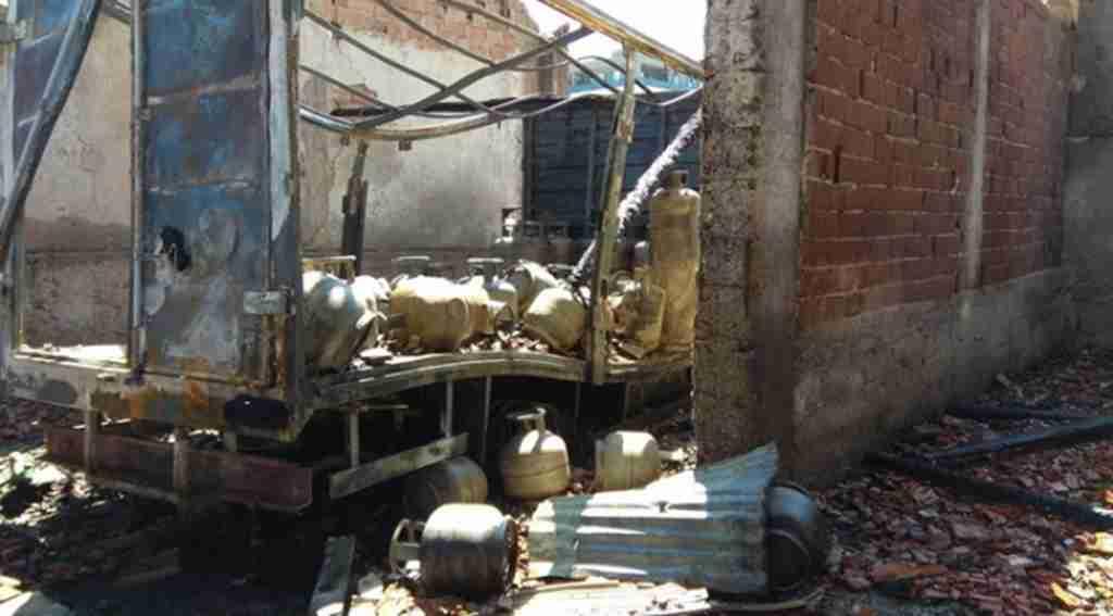Hırsızlardan sakladığı tüpleri bomba gibi patladı - Bursa Haberleri