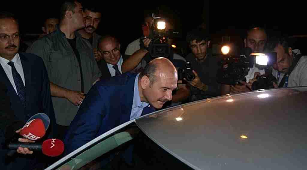 İçişleri Bakanı Süleyman Soylu trafik denetimine katıldı