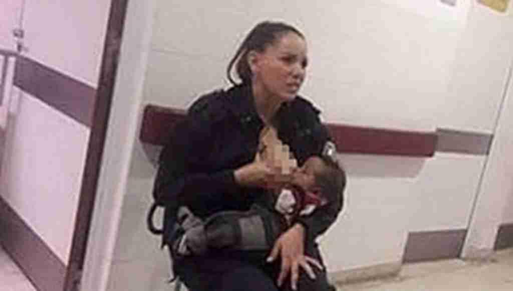 Kadın polisten herkesi duygulandıran hareket