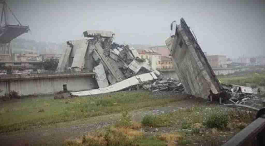 Köprü çöktü: Onlarca ölü var