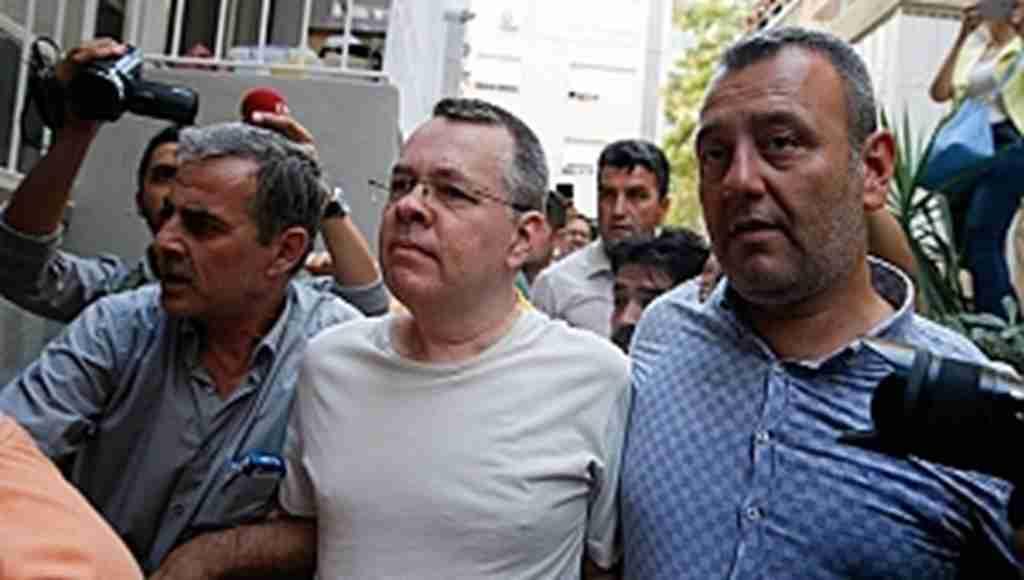 """Papaz iddiası, """"ABD Türkiye'ye çarşamba gününe kadar süre verdi"""""""