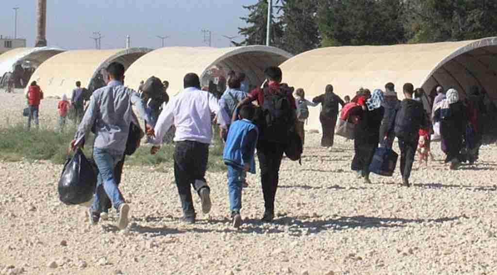 Suriyeliler ülkelerine 'koşarak' gitti!
