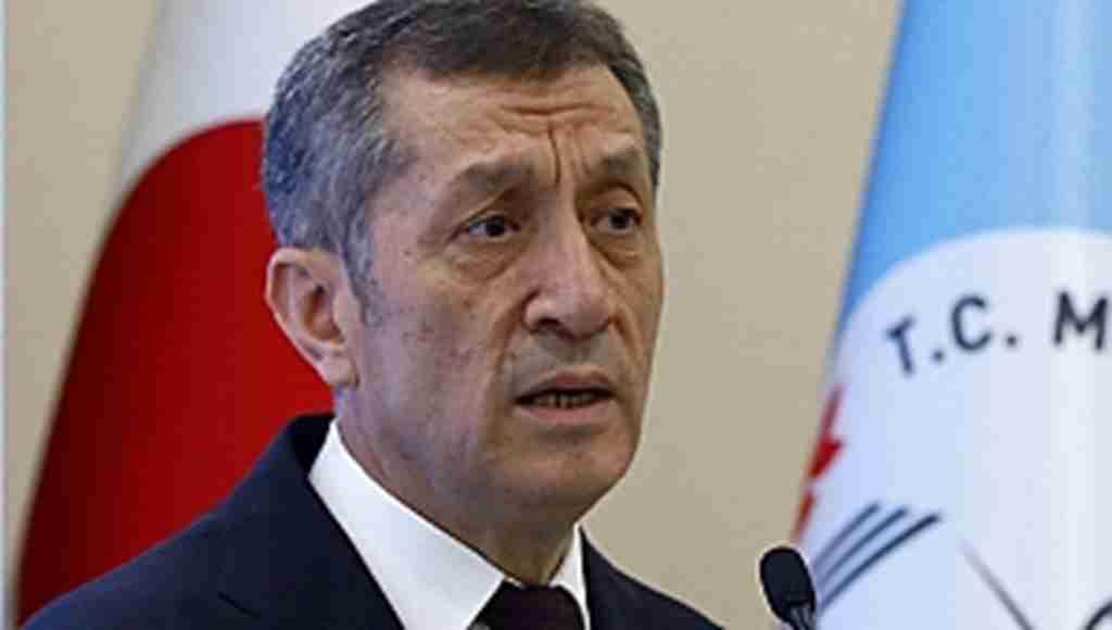 Bakan Selçuk'tan 'PNS çağı' uyarısı