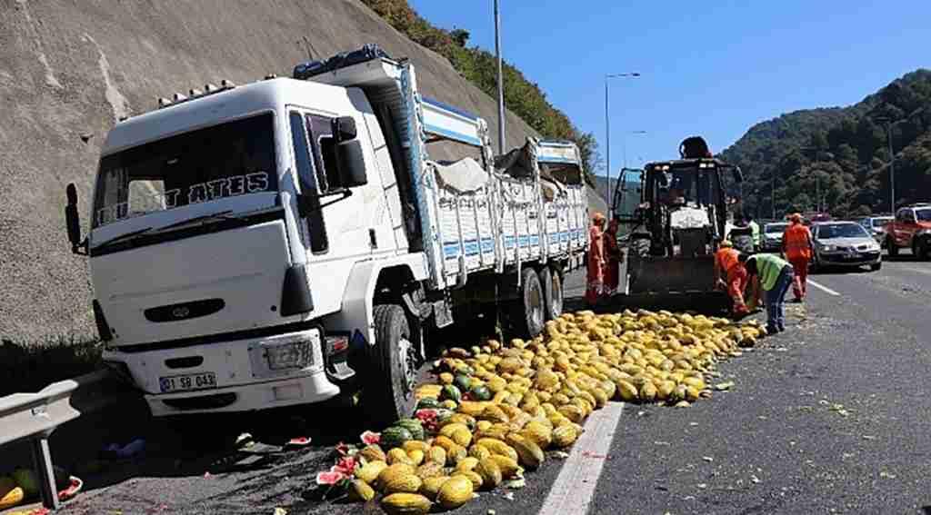Bolu'da, TEM Otoyolu'nda zincirleme kaza: 2 yaralı