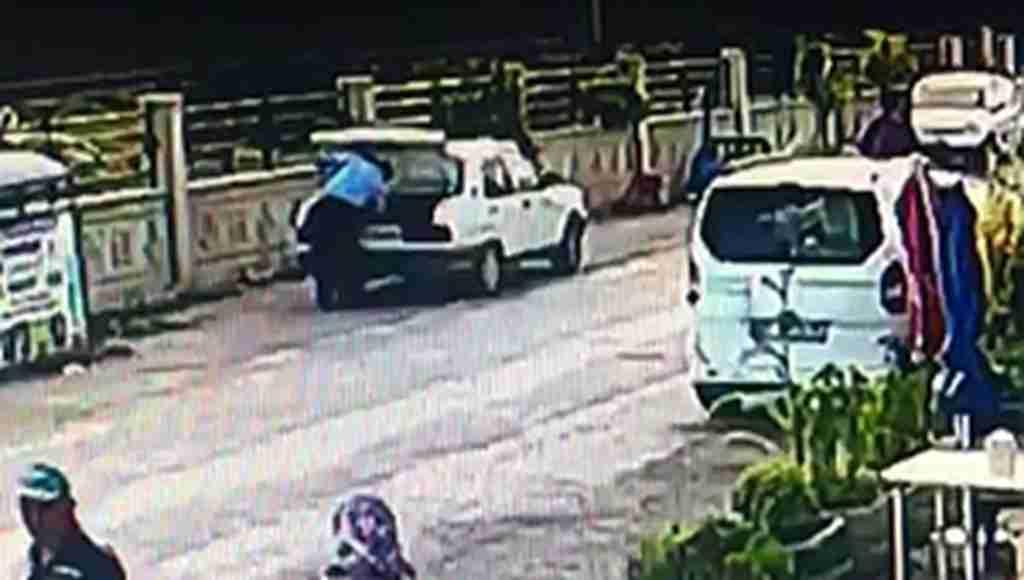 Hastane önünde dehşet! Sakat adamı başından vurup intihar etti