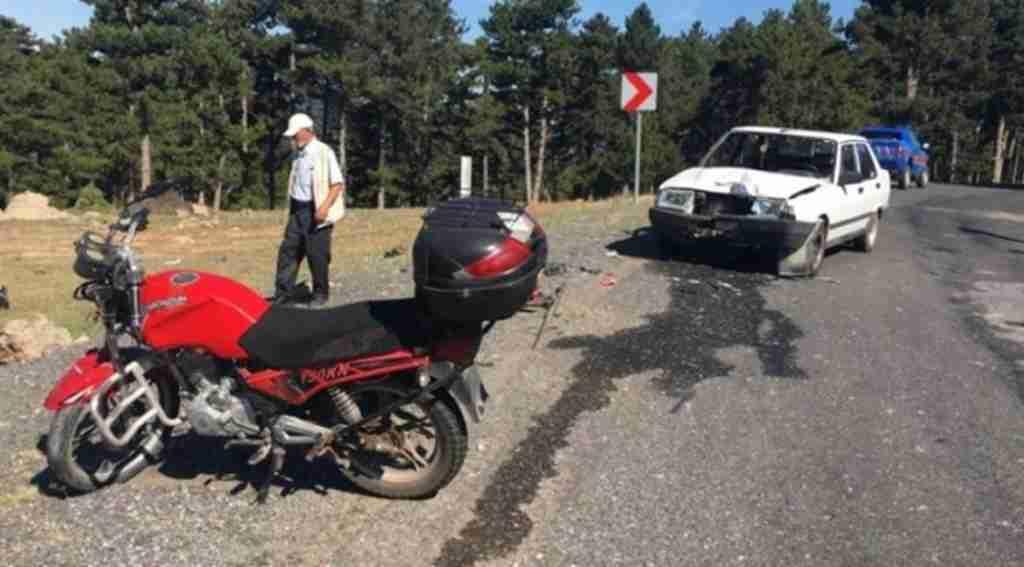 Motosiklet otomobille çarpıştı: 1 ağır yaralı - Bursa Haberleri