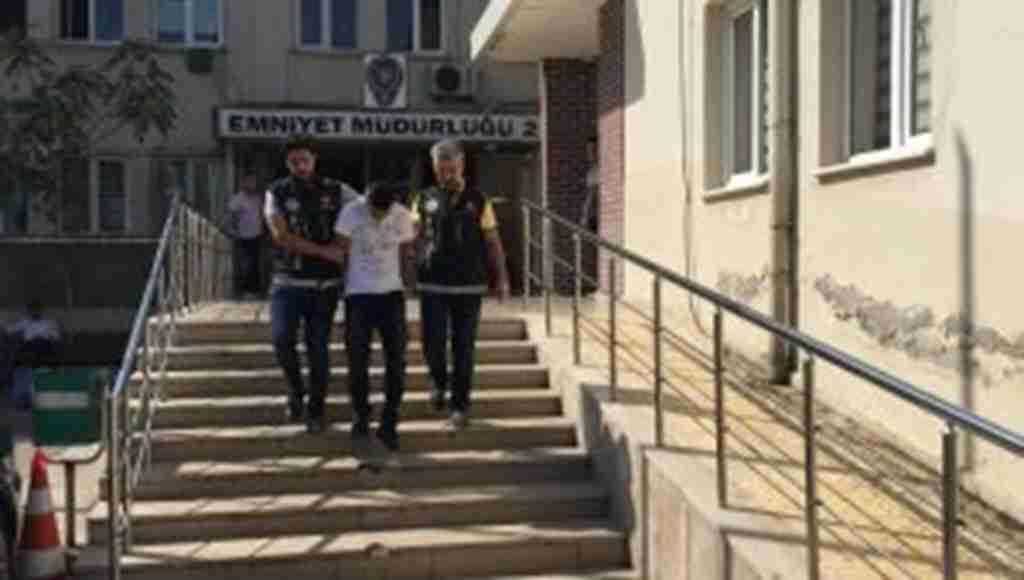 Sahte kimlikle uyuşturucu satarken yakalananan cezaevi firarisi tutuklandı - Bursa Haberleri