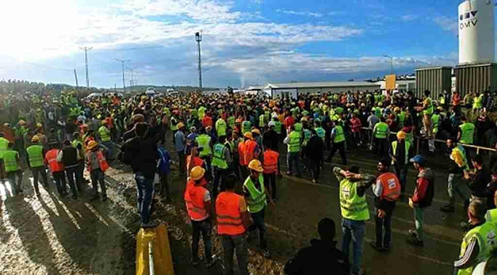 Üçüncü Havalimanı'nda çalışan işçiler eylem yapıp iş bıraktı