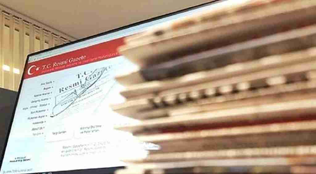 Üniversitelerde 12 Eylül kalıntısı izin sistemi ortadan kalktı