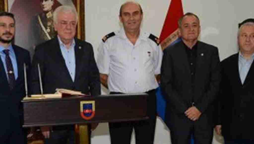 Bursa İl Jandarma ve Garnizon Komutanı Hakan Saraç'a hayırlı olsun ziyareti - Bursa Haberleri