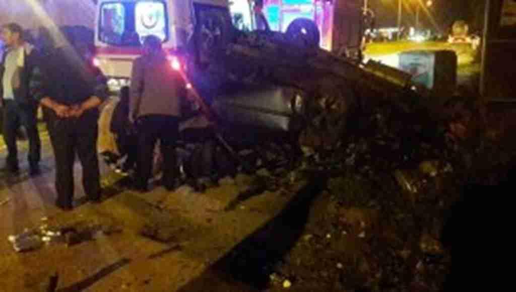 Feci kaza! İki araç birbirine girdi 2'si çocuk çok sayıda yaralı var!