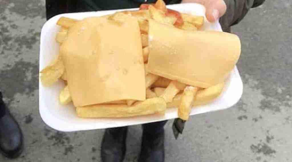 İngiliz taraftarlar, patates kızartmasına 51 TL ödeyince çileden çıktı