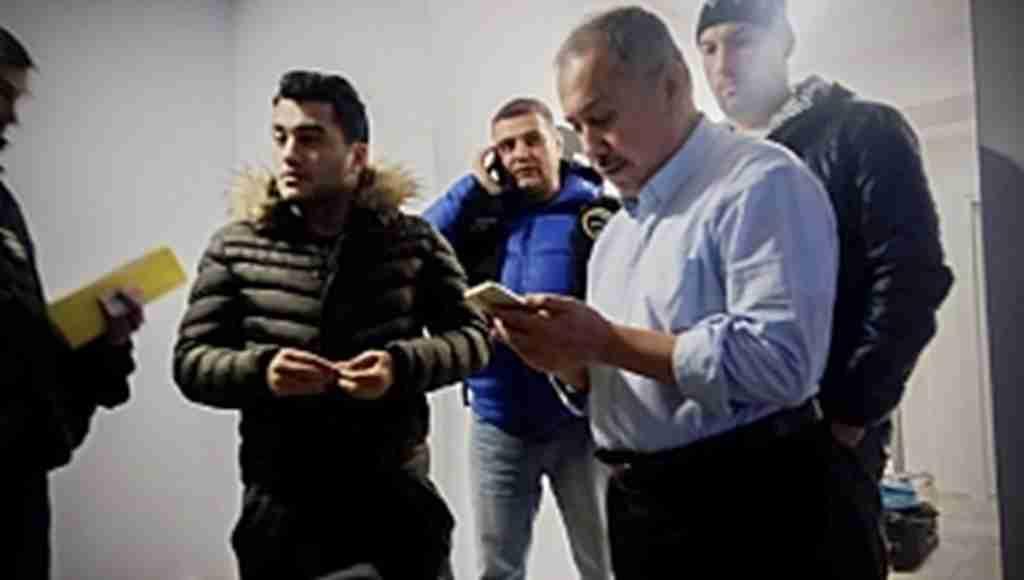 Avrupalı siyasetçileri finanse eden FETÖ'cü yakalandı