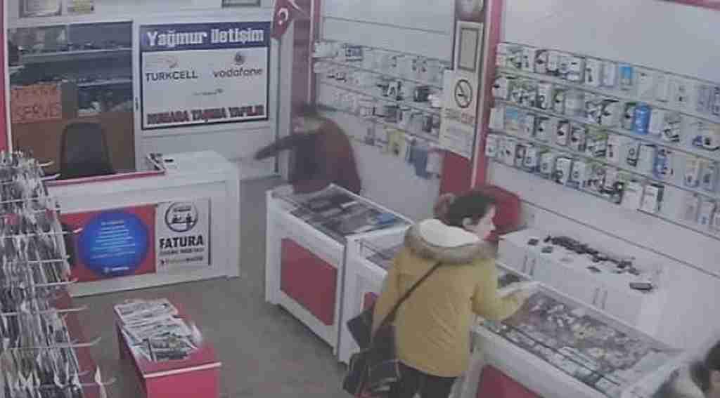 Bursa'da deprem... Panik anı kamerada - Bursa Haberleri